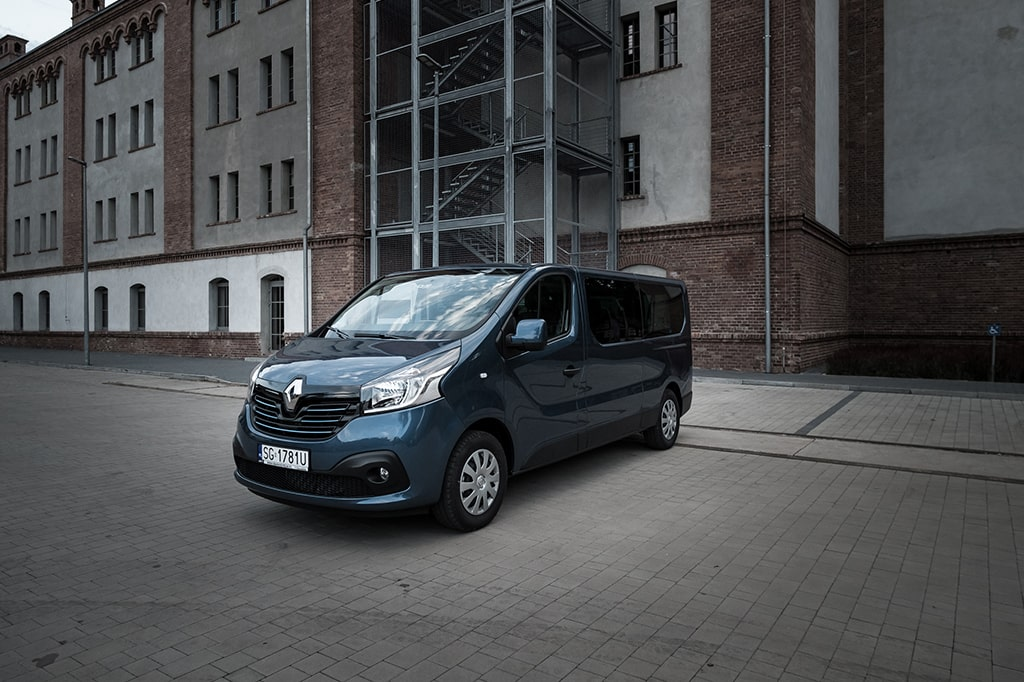 Renault Trafic Passenger Business Long dCi 95